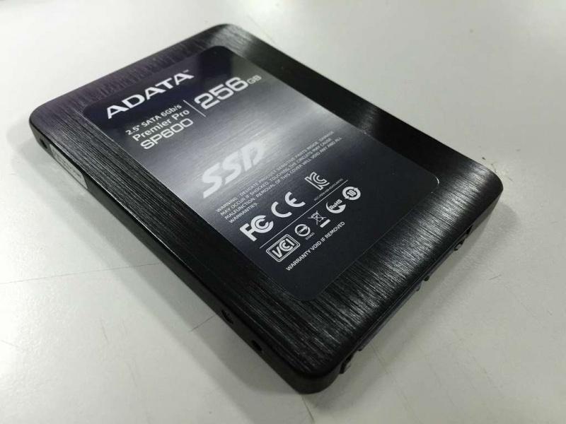 ADATA ASP600S3-256GM-C 本体