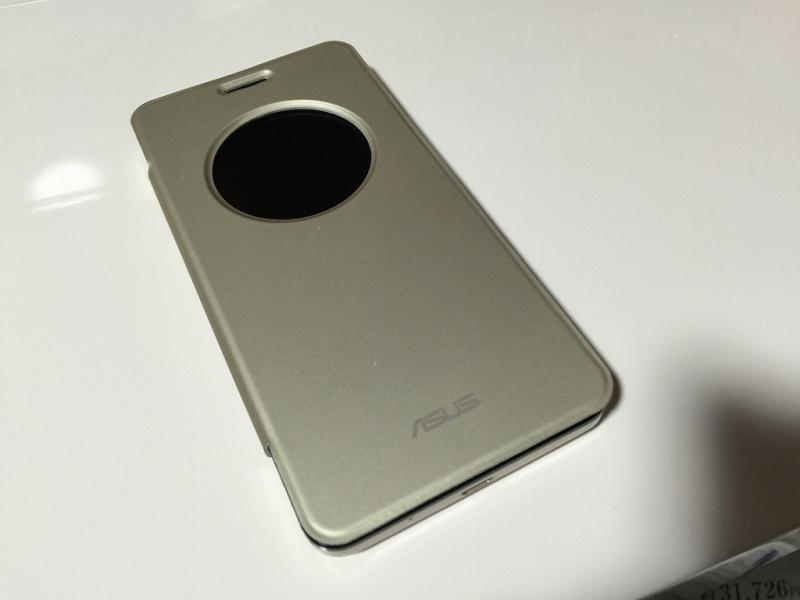 Zenfone5用フリップカバー 閉じる